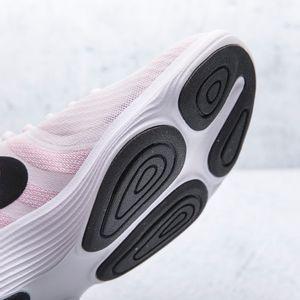 Tenis-Nike-Mujer-908999-604-REVOLUTIO